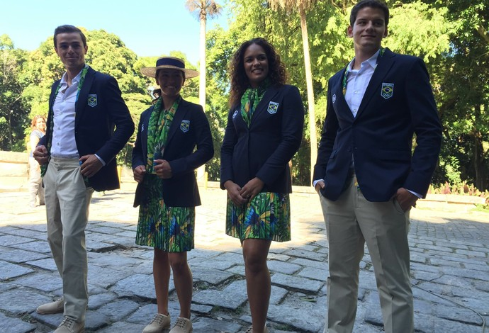 Rio 2016 apresenta uniformes de cerimônia 31bccdaf4cdef